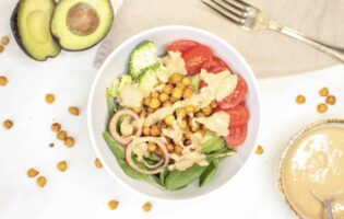 Salatbowl med spinat og broccoli1